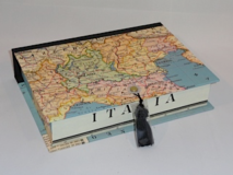 Rectangular Box with Map of Italia Paper