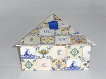 Triangular Box with Dutch Tiles paper