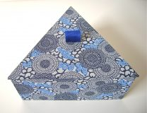 Triangular Box with Yuzen Blue Flowers paper