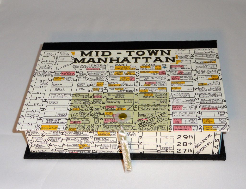 Rectangular Box with Mid-town Manhattan map paper - M'S